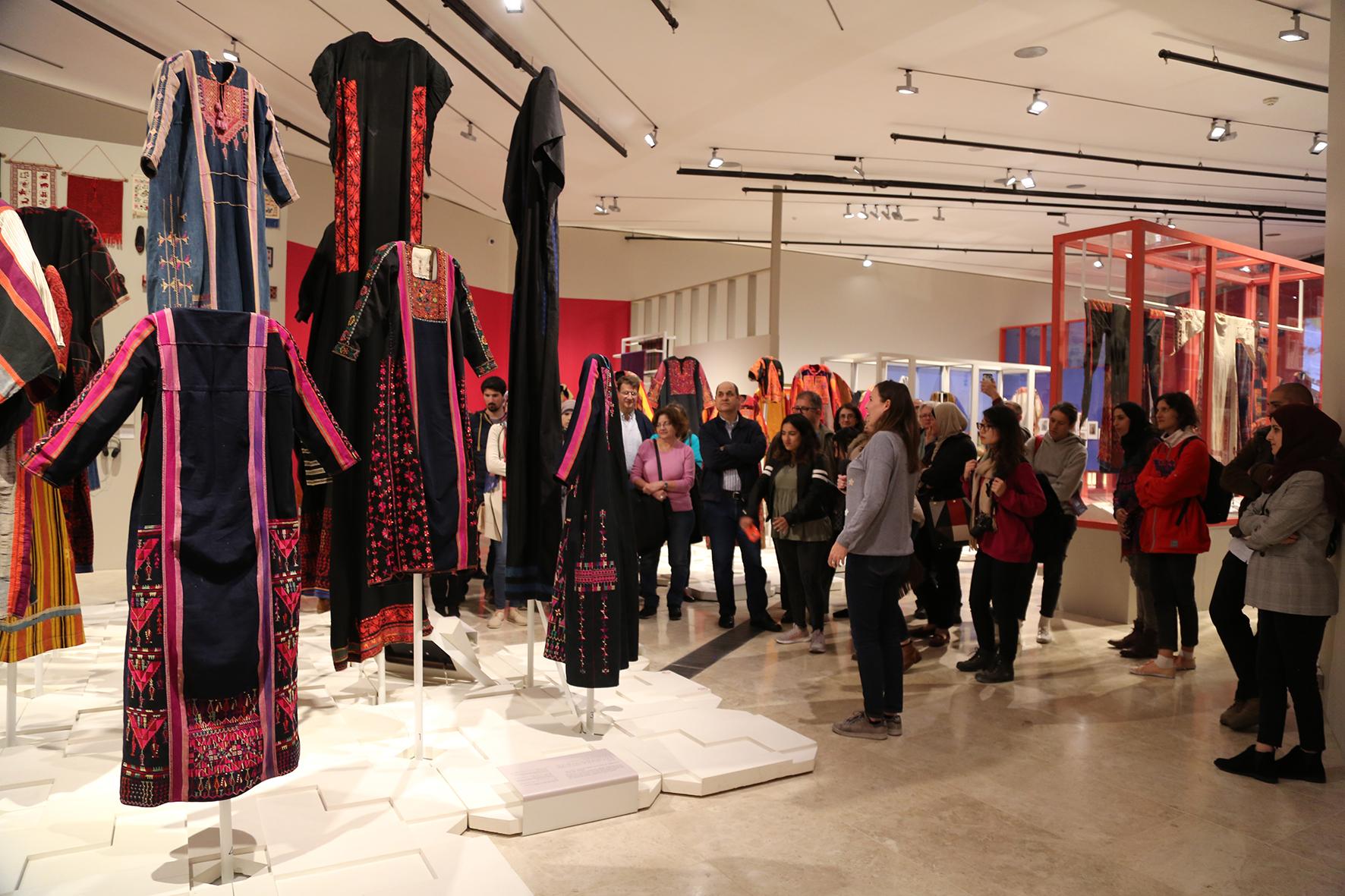المتحف الفلسطيني يبدأ فعالياته المرافقة لمعرض