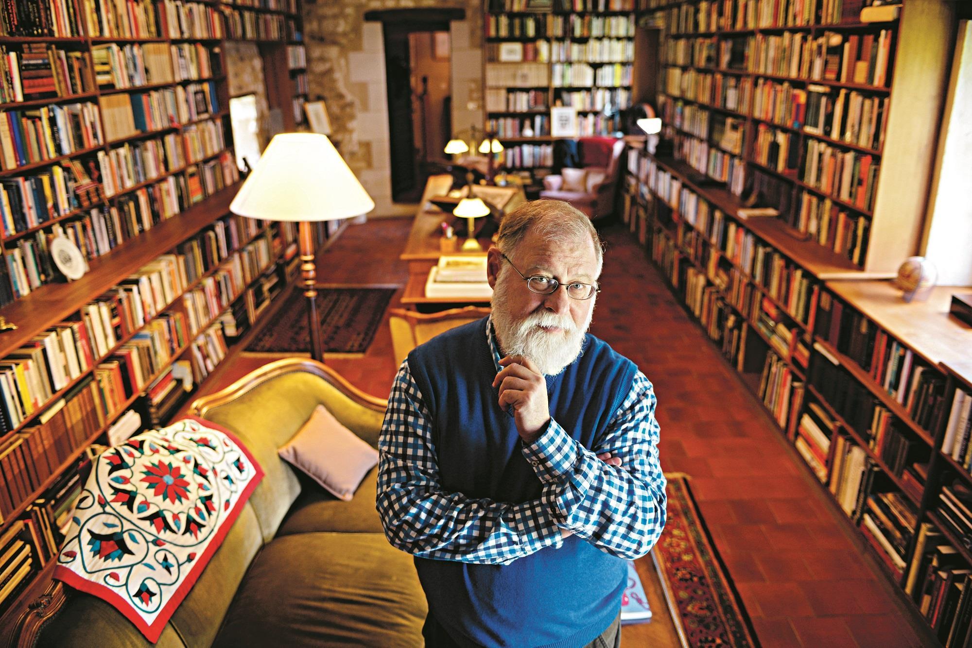 «شخصيات مذهلة من عالم الأدب» لمانغويل… الشّخوص كمواضيع أدبية