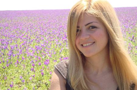 نسرين أكرم خوري: أحاول أن أجد لي مكاناً صغيراً في ساحات الكتابة الرحبة
