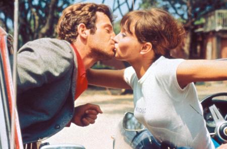10 أفلام أساسية للفرنسي جان-لوك غودار