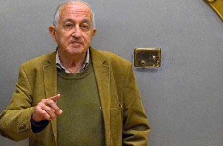 «في جنوب المتوسط: مقالات في السلطة والأدب والرقابة والثورات» لخوان جويتيسولو عن دار أزمنة