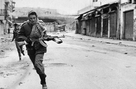 فيصل حوراني: القصّة الكاملة لنهب مركز الأبحاث الفلسطيني ببيروت