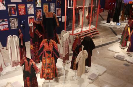 المتحف الفلسطيني يقرر تمديد معرض