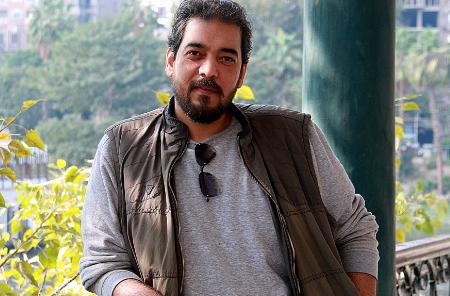 أحمد مجدي همام: لست مشغولاً بالهروب من الواقع أو الاشتباك معه