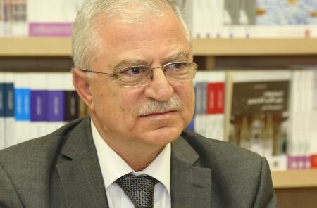 خالد زيادة:علاقة الفكر بالسياسة معقدة، وأنظمة الاستبداد طاردت الأفكار