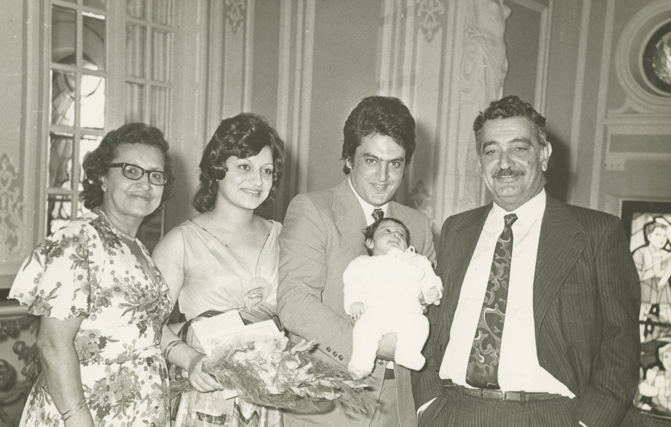 خمس صور عائلية لإميل حبيبي...