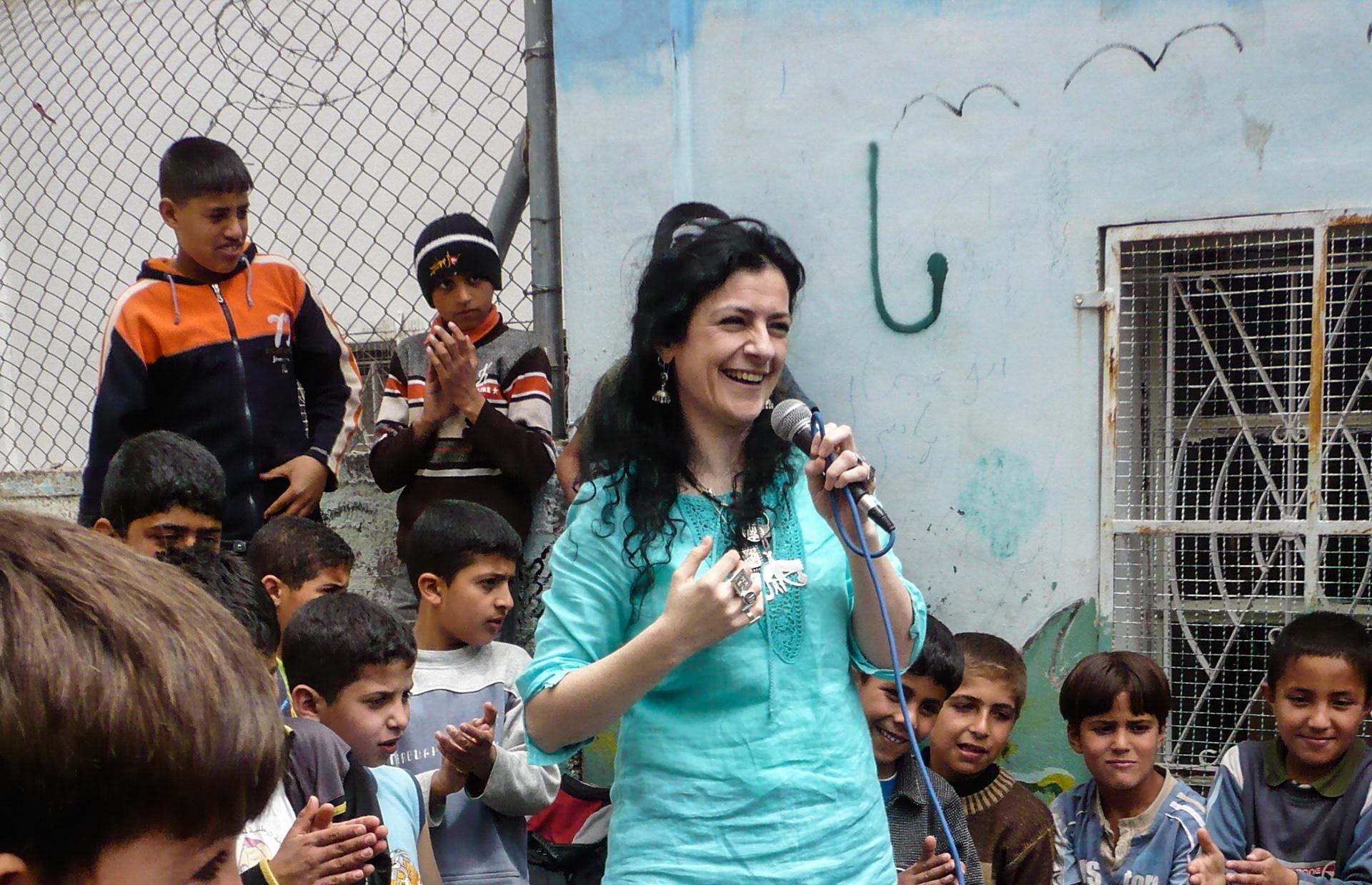 ريم بنّا... التعبير عن حقيقة الواقع بصوتها وأغانيها