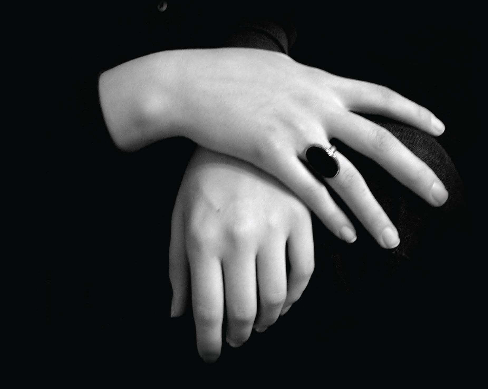 «نساء الخيال»... وتوثيق البراءة