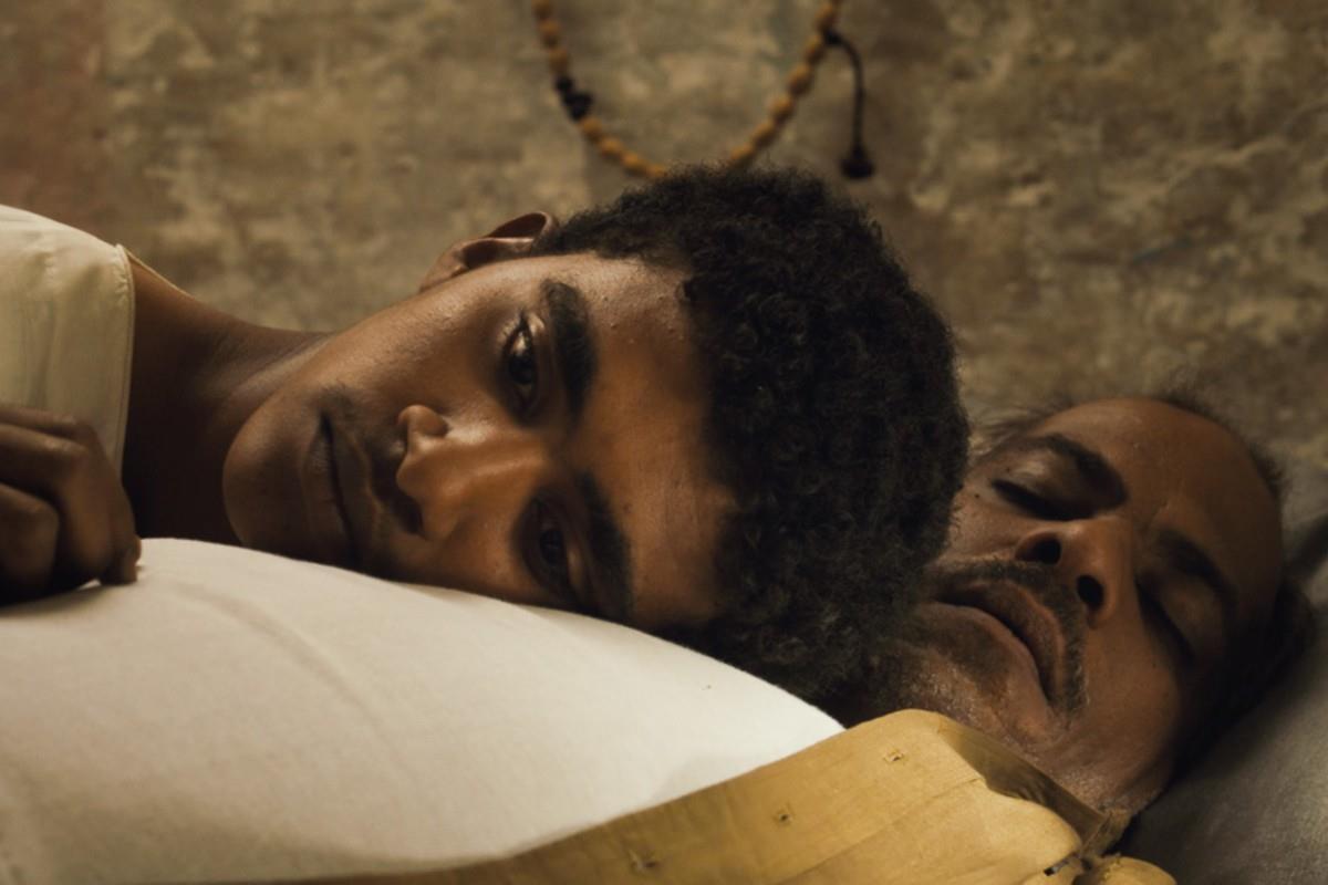 «ستموت في العشرين» لأمجد أبو العلاء... معاندة الموت بلغة السينما