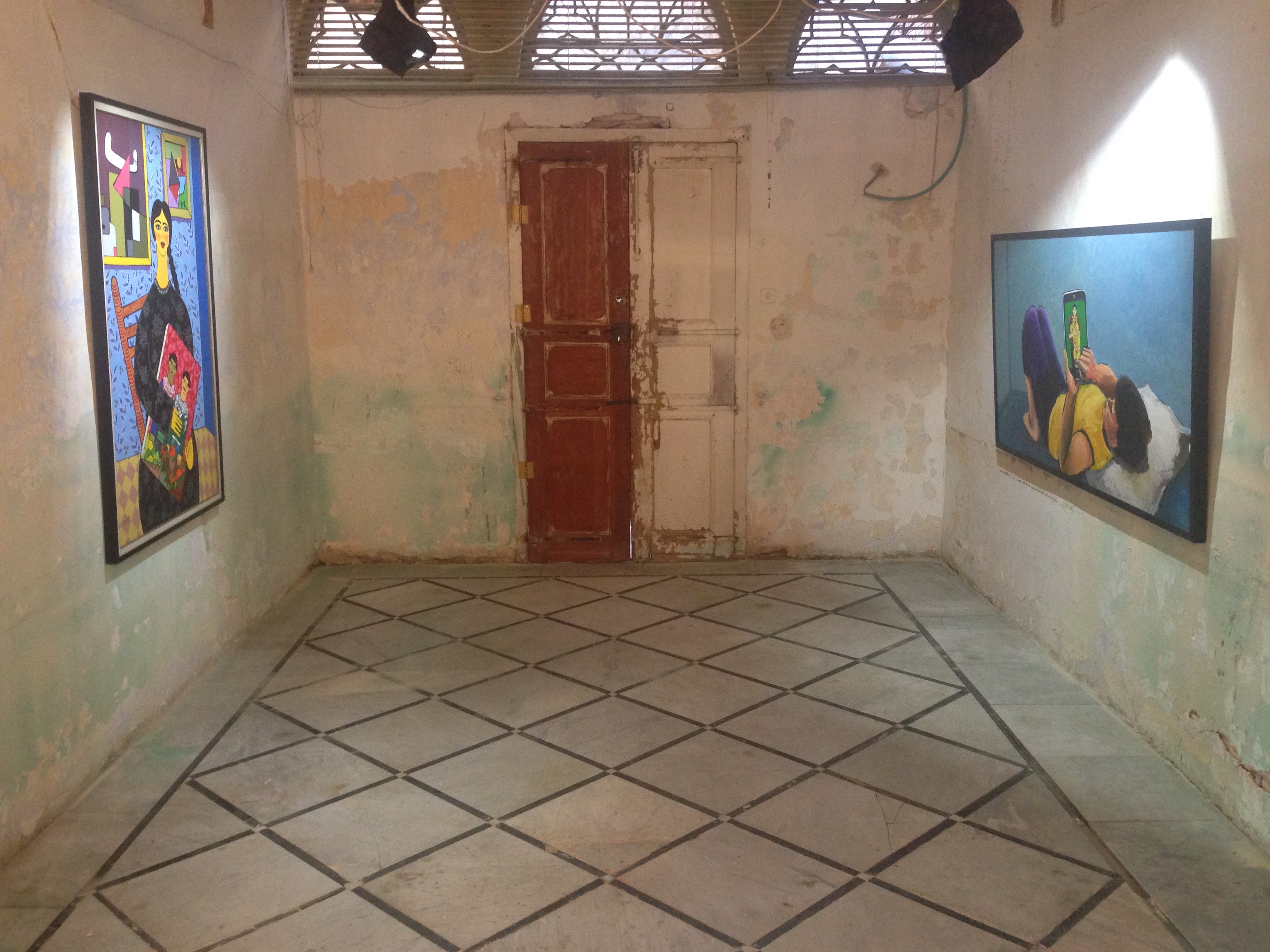 رحلة معرض فني بين العطاء والتعاطي... جمهور الفن