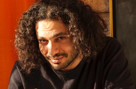 عامر شوملي: أشتغل على أيقونات الثورة الفلسطينية المعاصرة